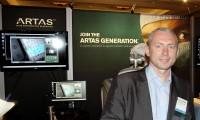 Dr Sandelewski na stoisku ARTAS